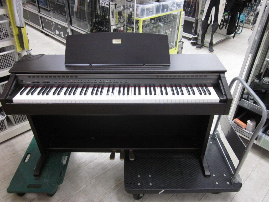 CASIO 電子ピアノ CELVIANO AP-45 の全景写真です。キズも少なくきれいなお品です。